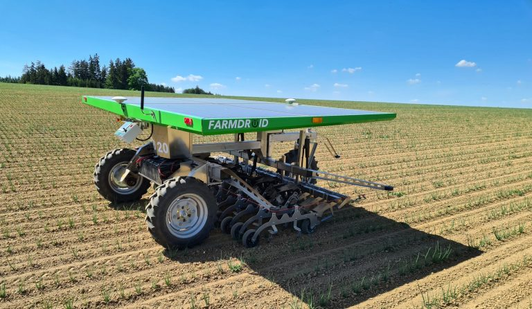 I utvecklingen av denna FarmDroid-roboten har Markforgeds 3d-skrivare använts.